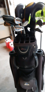 Complete set of golf clubs   150