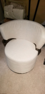 Swiveling chair, 100obo, open to trades