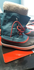Size Sorel Boots Warm $60 worn only a coupke times