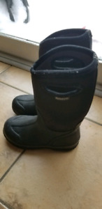 Boys winter boots, Bogs, size 2