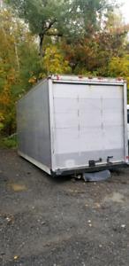 Belle boîte de camion cube isolé 18 pieds