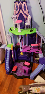 Monster high play house