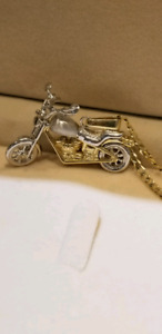 Moving motorcycle and curb chain 10k solid gold