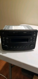 Stock Radio CD Play 2007 Nissan 350z