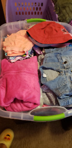 Clothes for the girl 3-4 years