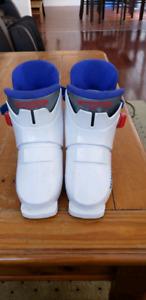 Munari ski boots size 14-16.5 for kids age 2-5 years old