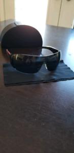 Prada sunglasses in excellent condition!!