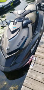 2 seadoo's for sale with warranty still