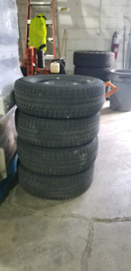 Snow tiers and rims 17 inch with pressure sensors