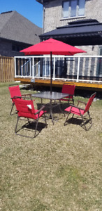 5 PIECE OUTDOOR SET - GLASS TABLE, FOLDING CHAIRS AND UMBRELLA