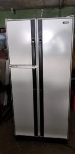Réfrigérateur  à vendre  Moffat
