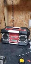 Milwaukee radio 12v, 28v