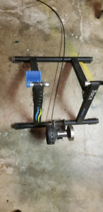 Tacx Cycletrack trainer