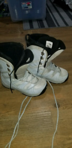 Womens size 8 snow board boots