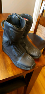 Icon 10.5 mens motorcycle boots