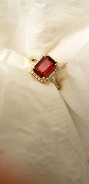 2.32-CT MOGOK NATURAL RED SPINEL SPLIT SHANK DIAMOND RING IN 18K SOLID YELLOW GOLD