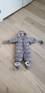 GAP baby (12-18 months) Snowsuit
