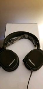Like New Steelseries Arctis 3 Headset *LOWER PRICE!*