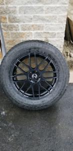 Pneus d'hivers Nokian avec mags noirs 245/60 R18