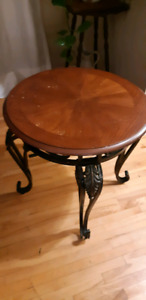 Round End/Accent table