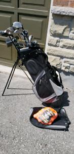 Titan. Golf club set and balls