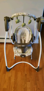 Graco Baby Swing and Detachable Vibrating Bouncy Chair