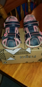 Sandales fermer pour fille