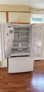 Large Maytag French door Bottom Mount Refrigerator, 26 cubic ft