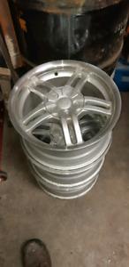 15in aluminum wheels