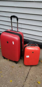 2 Heys Hard Shell Luggage Travel Suitcases