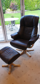 Stressless style recliner chair and foot stool.