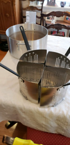 Commercial pasta pot with 4 sections (used)