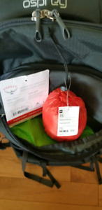 For sale men's Osprey backpack with MEC rain cover