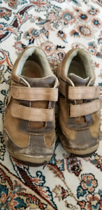 Stride Rite Kids shoes size 12 W (hardly used )