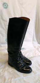Regent Black Leather Riding Boots. Size 7 ( H 45 W 39 )