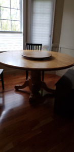 "3"" bull nose solid oak farm table, seats 8 easy"