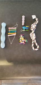 Perchoirs et jouets