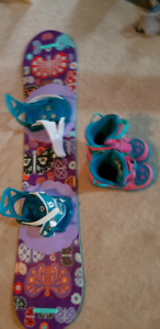 120cm burton chicklet girls snowboard and boots