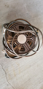 100 ft garden hose with mounting reel