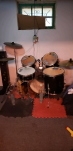 CB drum kit with ride and boom stand