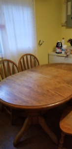 Solid Maple Kitchen Table and 6 chairs