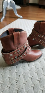 Ladies Western style leather booties