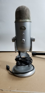Blue Yeti Microphone and stand