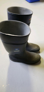 "Baffin Technology Rubber Boots 15"" to 17"""