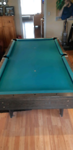 Slate Top Pool table 4x8 with cues, balls and cue rack. 250 buxx