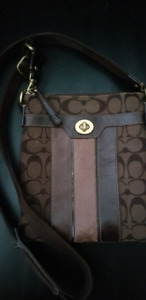 Authentic Coach Messenger Crossbody-Brown