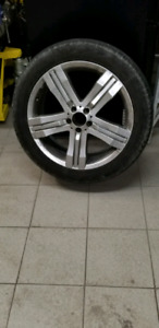 Mercedes wheel - tires 20 inch