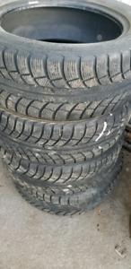 4 pneus hiver gislaved 205/55R16