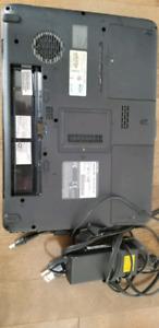 Ordinateur portable Toshiba Satellite A300 pour les pièces