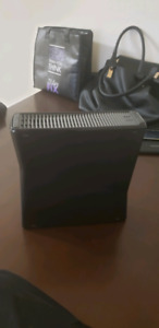 Xbox 360...konnect  ..games .. plus 2 controllers